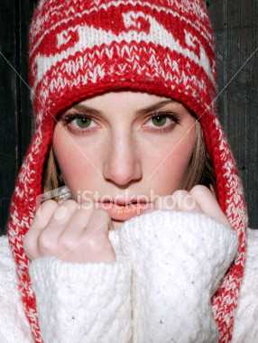 ist2_1272974_girl_with_hat_2006_02.jpg